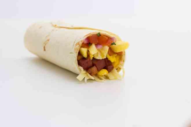Burrito Breakfast - Calabresa, Presunto e Bacon
